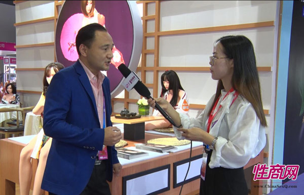 视频:性shang网采访ai秘娃娃-2019上海成人展专访